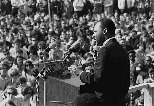 King speaking to an anti-Vietnam war rally at the University of Minnesota in St. Paul, April 27, 1967 - foto preluat de pe en.wikipedia.org