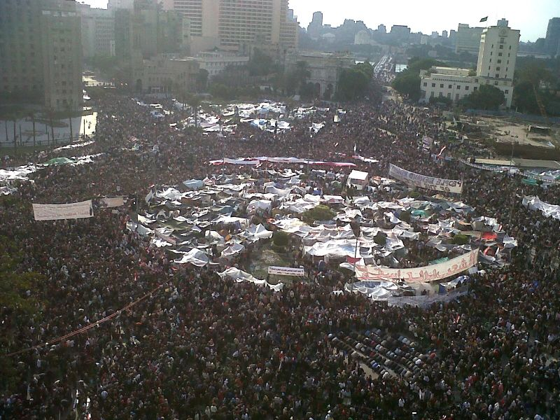 Revoluția egipteană din 2011 (Demonstrators in Cairo's Tahrir Square on 8 February 2011) -  foto preluat de pe en.wikipedia.org