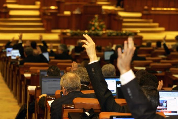 2012_08_17_votare la parlament1_rsz