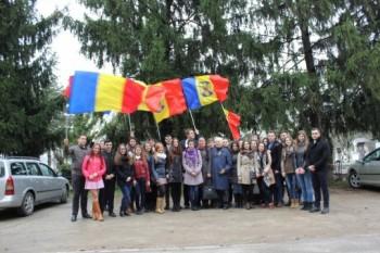 Omagiu celor care au stat la baza îndeplinirii idealului Unirii, la mormintele membrilor Sfatului Țării - foto: romaniabreakingnews.ro