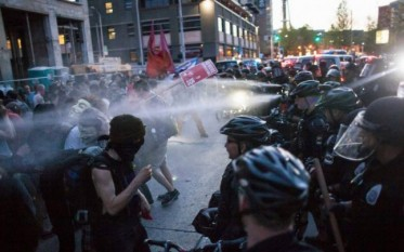 Proteste violente la Baltimore  - foto preluat de pe adevarul.ro