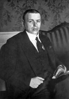 Béla Kun, inițial Béla Cohen, (20 februarie 1886, Szilágycseh, Comitatul Sălaj sau în Comuna Nimigea, Bistrița-Năsăud – 29 august 1938, Uniunea Sovietică) politician maghiar comunist provenit dintr-o familie de evrei, care a condus în anul 1919 revoluția bolșevică din Ungaria. A fost de profesie jurist, însă a activat și ca ziarist - foto - ro.wikipedia.org