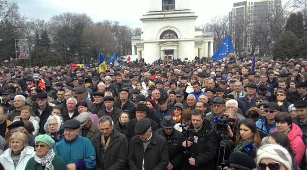 protest chisinau aprilie 2015