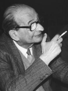 Șerban Țițeica (n. 14 martie (S.N. 27 martie) 1908, București – d. 28 mai 1985, București) a fost un fizician român, profesor universitar, membru al Academiei Române (1955) și vicepreședinte al acesteia (1963-1985). Este unanim considerat drept fondatorul școlii române de fizică teoretică. A făcut cercetări în domeniul termodinamicii, a fizicii statistice, mecanicii cuantice, fizicii atomice și în fizica particulelor elementare - foto: ro.wikipedia.org