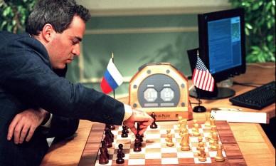 Garry Kasparov versus Deep Blue in 1997 - foto preluat de pe cersipamantromanesc.wordpress.com