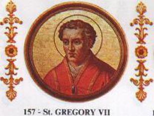 """Papa Grigore al VII-lea a fost papă al Romei între anii 1073-1085. Născut între (aprox.) 1019-1030 pe numele cetățenesc de Hildebrand este în Scaunul Papal între 1073-1085. Grigore al VII-lea a continuat reforme inițiate de înaintași ai săi si a acționat energic în spiritul centralizării Bisericii Catolice. Centralizarea deciziilor bisericești la Roma însemna concret reînvierea contradicției """"Papa sau Împăratul(catolico-german)"""". Împarații, care ajungeau în """"Orașul Sfânt"""" doar ocazional, nu voiau să renunțe la privilegiul numirii episcopilor (mai ales la nord de Alpi,in zona germanică a Sfântului Imperiu) și căutau deci să se impună in fața papilor. Astfel și în timpul lui Grigore al VII-lea. A intrat în conflict cu împăratul Henric al IV-lea al Sfântului Imperiu Roman în chestiunea acordării investiturii episcopilor germani, în urma cărui conflict împăratul l-a demis pe Papă la Worms în anul 1076. Excomunicat, la rândul său, de Papa Grigore al VII-lea, Henric al IV-lea a fost nevoit să se umilească, așteptând ridicarea excomunicării sale timp de trei zile, în localitatea italiană Canossa (până la 21 ianuarie 1077). Locul a devenit istoricește celebru . Grigore al VII-lea este considerat unul dintre structuratorii spirituali ai Evului Mediu Dezvoltat. A fost declarat sfânt - foto - ro.wikipedia.org"""