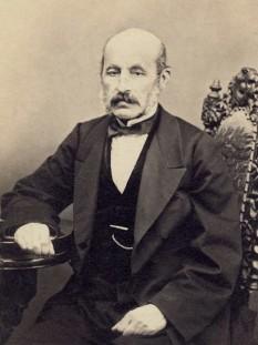 Petrache Poenaru (n. 10 ianuarie 1799, Benești, județul Vâlcea - d. 2 octombrie 1875, București), pedagog, inventator, inginer și matematician român, membru al Academiei Române): foto - en.wikipedia.org