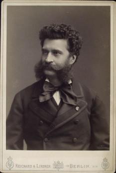 Johann Strauss (n. 25 octombrie 1825 în St.Ulrich, azi parte a Vienei - d. 3 iunie 1899, Viena), compozitor austriac, fiul lui Johann Strauß (tatăl -  foto: ro.wikipedia.org