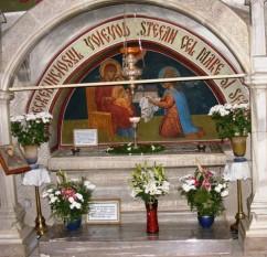 Mormântul lui Ştefan cel Mare şi al soţiei sale Maria Voichiţa, din gropniţa bisericii mănăstirii Putna -  foto - ro.wikipedia.org