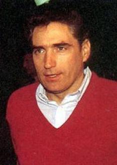 Petre Roman (n. 22 iulie 1946, București) politician român de origine evreiască. A fost prim-ministru al României între 1990 și 1991 - foto - ro.wikipedia.org