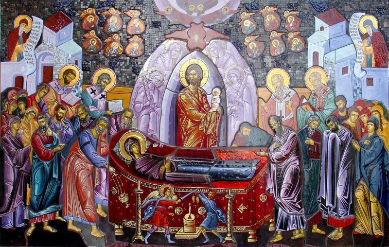 """Adormirea Maicii Domnului este unul din Praznicele Împărătești ale Bisericii Ortodoxe, sărbătorită pe 15 august. Această sărbătoare comemorează moartea, învierea și slăvirea Maicii Mântuitorului. Sărbătoarea mărturisește că Maica Domnului """"a fost luată"""" de Dumnezeu în împărăția cerească a lui Hristos, în deplinătatea vieții ei sufletești și trupești - foto: doxologia.ro"""