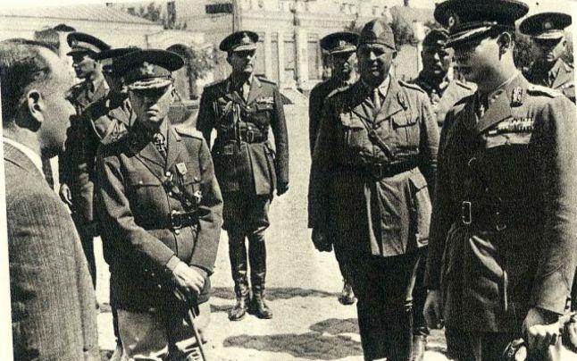 Regele Mihai si Ion Antonescu - foto: adevarul.ro