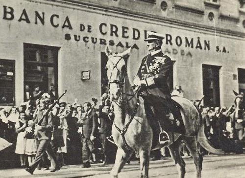 Intrarea trupelor hortyste in Oradea, septembrie 1940 - foto preluat de pe ovidiuczinka.blogspot.ro