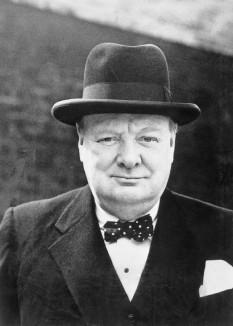Sir Winston Leonard Spencer Churchill (n. 30 noiembrie 1874 - d. 24 ianuarie 1965), om politic britanic, prim-ministru al Regatului Unit în Al Doilea Război Mondial - foto: ro.wikipedia.org