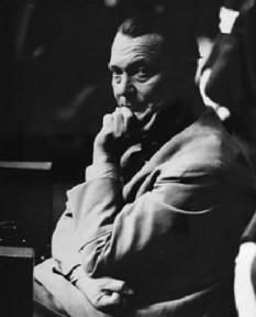 Hermann Wilhelm Göring, adesea doar Hermann Göring sau Hermann Goering, (n. 12 ianuarie 1893, Rosenheim, Bavaria, d. 15 octombrie 1946, Nürnberg), aviator militar german, politician, comandant militar, al doilea în ierarhia partidului național-socialist (nazist) și a celui de-al Treilea Reich, după Adolf Hitler, și comandantul aviației militare, Luftwaffe, a Germaniei naziste. Înființarea primelor lagăre hitleriste germane de concentrare (gen închisoare) și a Gestapo-ului (poliția secretă de stat) sunt strâns legate de numele lui Göring. Divizia de tancuri Hermann Göring Panzerdivision (divizia de blindate și parașutiști), care a luptat în Africa și Sicilia, a purtat numele său - foto: ro.wikipedia.org