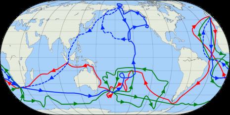 Traseele celor trei călătorii ale lui Cook. Prima călătorie este marcată cu roşu, a doua cu verde iar a treia cu albastru. Ruta echipajului lui Cook de după moartea acestuia este marcată cu linia albastră întreruptă - foto: - ro.wikipedia.org