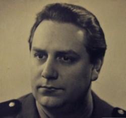 Mircea Vulcănescu (3 martie 1904, București - 28 octombrie 1952, Aiud), economist, filolog, filosof, publicist, sociolog, teolog și profesor de etică român, victimă a represiunii comuniste din România foto: ro.wikipedia.org