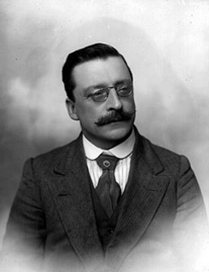 Arthur Griffith (Irish: Art Ó Gríobhtha; 31 March 1872 – 12 August 1922) was an Irish politician and writer, who founded and later led the political party Sinn Féin - foto: en.wikipedia.org