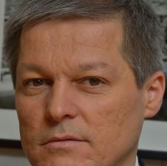 Dacian Julien Cioloș (n. 27 iulie 1969, Zalău), inginer agronom și om politic român. A ocupat funcția de comisar pentru domeniul agriculturii în cadrul Comisiei Europene între 2010-2014 - foto: ro.wikipedia.org
