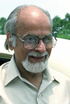 Inder Kumar Gujral (n. 4 decembrie 1919 – d. 30 noiembrie 2012), om politic indian, care a îndeplinit funcția de prim ministru al Indiei în perioada 21 aprilie 1997 - 19 martie 1998 - foto: ro.wikipedia.org