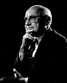 Milton Friedman (n. 31 iulie 1912 Brooklyn, New York - d. 16 noiembrie 2006, San Francisco), economist evreu-american, profesor de economie la Universitatea Chicago. În 1976 a primit Premiul Nobel pentru Economie. El este considerat reprezentantul principal al școlii din Chicago, al economiei de dreapta, de piață liberă - foto: ro.wikipedia.org