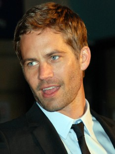 Paul William Walker IV (n. 12 septembrie 1973 – d. 30 noiembrie 2013), actor american - foto (Walker în martie 2009 la premiera Fast & Furious): ro.wikipedia.org