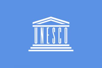 Steagul UNESCO, inspirat de imaginea templului Parthenon din Atena, Grecia  - foto: ro.wikipedia.org