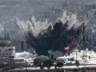 Franţa a intensificat raidurile în Siria, bombardând Raqqa, fieful reţelei teroriste Stat Islamic - foto: mediafax.ro