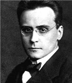 Anton Webern (3 decembrie 1883 – 15 septembrie 1945), compozitor austriac - foto (Anton Webern în Stettin, octombrie 1912):  ro.wikipedia.org