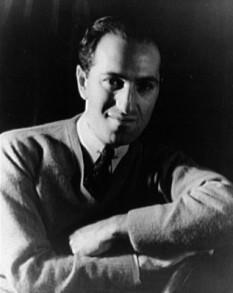 George Gershwin, cu numele real Jacob Gershowitz, (n. 26 septembrie 1898, New York - d. 11 iulie 1937, Los Angeles) a fost unul din cei mai populari compozitori americani din prima jumătate a secolului al XX-lea. Reușind să reunească elementele de jazz simfonic cu muzica ușoară, Gershwin a compus atât pentru teatrele muzicale de pe Broadway cât și pentru sălile de concert clasic. S-a bucurat de mult succes prin compunerea unor melodii interpretate de cei mai cunoscuți instrumentiști și cântăreți americani ca Louis Armstrong, Ella Fitzgerald, Frank Sinatra, Herbie Hanock și mulți alții - in imagine,George Gershwin în 1937 -  foto: ro.wikipedia.org