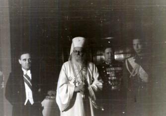 Nicodim Munteanu, născut Nicolae Munteanu, (n. 6 decembrie 1864, Pipirig, județul Neamț - d. 27 februarie 1948, București), al doilea patriarh al Bisericii Ortodoxe Române (1939-1948), și membru de onoare al Academiei Române - foto (Gheorghe Gheorghiu-Dej, Patriarhul Nicodim, Regele Mihai, ș.a. participând la recepția organizată cu prilejul sărbătoririi zilei de 7 noiembrie (1946), la Ambasada Sovietică):  ro.wikipedia.org