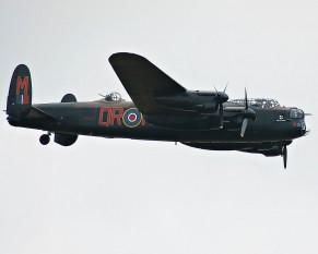 Avro Lancaster a fost un bombardier greu utilizat de către Royal Air Force din 1942 până în 1963 - foto: ro.wikipedia.org