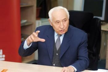 Ion Dincă (n. 3 noiembrie 1928, Comuna Cobia, Dâmbovița - d. 9 ianuarie 2007, București) a fost un general de armată, politician comunist român - foto: ziuaconstanta.ro