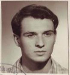 Jan Palach (n. 11 august 1948, Mělník; d. 19 ianuarie 1969, Praga) a fost un student (la Universitatea Carolină) din Cehoslovacia, care şi-a dat foc în Piaţa Wenceslas din Praga pe 16 ianuarie 1969 în semn de protest faţă de invazia Cehoslovaciei de către trupe ale Tratatului de la Varşovia - foto preluat de pe ro.wikipedia.org