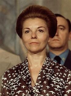 María Estela Martínez Cartas de Perón (n. 4 februarie 1931), cunoscută ca Isabel Martínez de Perón sau Isabel Perón, a fost o politiciană din Argentina, prima femeie care a deținut funcția de președinte în această țară. Funcția supremă în stat a deținut-o în perioada 1 iulie 1974 - 24 martie 1976. În perioada 12 octombrie 1973 - 1 iulie 1974, a deținut funcția de vicepreședinte. Ulterior a fost arestată și trimisă în exil - in imagine, María Estela Martínez de Perón, en una foto de 1974. (Foto: AP) - foto: elmundo.es