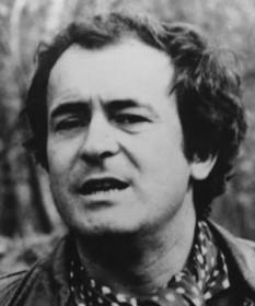 Bernardo Bertolucci (n. 16 martie 1940) este un regizor de film italian - foto: cersipamantromanesc.wordpress.com