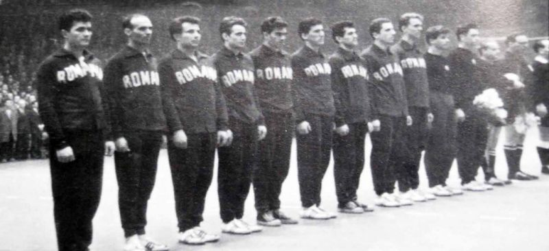 Echipa nationala de handbal a Romaniei (1961) - foto: cersipamantromanesc.wordpress.com