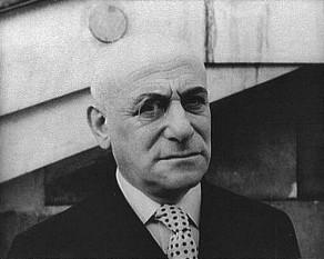 Max Jacob (n. 12 iulie 1876 - d. 5 martie 1944) a fost un scriitor, pictor și critic de artă evreu-francez. A fost unul dintre inițiatorii cubismului și suprarealismului. Opera sa lirică reflectă o mare varietate a atitudinilor lirice, uneori de bizară contrarietate, în care converg burlescul, fantezia populară și ironia sarcastică, scepticismul, efuziunea sentimentală și cultivarea iraționalului la modul suprarealist. Ca evreu, pe 1-3 martie 1944 este arestat de naziștii francezi și deținut la Vilodromul de iarnă din Paris, de unde, împreună cu toți evreii parisului, a fost transportat la Drancy, pentru a fi urcat în trenul care urma să-l ducă la Lagărul de rxterminare, Auschwitz dar soarta i-a fost să-si fârșească zilele la vârsta de 67 de ani, pe 5 martie 1944 ca prizonier, pe drum, în urma unei pneumonii -  in imagine, Max Jacob fotografiat de Carl van Vechten (1934) - foto: ro.wikipedia.org