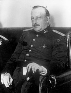 Miguel Primo de Rivera (n. 8 ianuarie 1870, Jerez de la Frontera, Spania – d. 16 martie 1930, Paris, Franța) a fost un ofițer și om politic spaniol, care a guvernat Spania ca dictator din 15 septembrie 1923 până pe 30 ianuarie 1930 - foto: ro.wikipedia.org