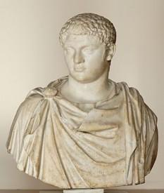 Publius Septimius Geta (n. 7 martie 189 - d. 26 decembrie 211) a fost al doilea fiu al împăratului Septimius Severus și frate cu Caracalla. În anul 208 sau 209 a fost numit Caesar și desemnat urmaș la tronul imperiului împreună cu fratele său. În februarie 211, după moartea lui Septimius Severus, cei doi frați își asumă guvernarea în Roma. După scurt timp au început rivalitățile între cei doi frați. La finalul aceluiași an, Caracalla l-a asasinat pe Geta în palatul imperial. Geta a murit în brațele mamei sale, Julia Domna. Mulți aliați ai acestuia au fost și ei omorâți. Cauzele rivalității dintre ei ar fi, după unii, gelozia din cauza popularității din ce în ce mai mari a lui Geta, iar după alții, încercarea de a-și îndepărta fratele de la tron, iar acesta doar s-a apărat - foto: ro.wikipedia.org