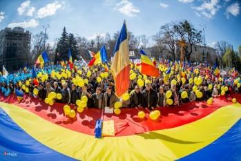"""Sfatul Ţării 2 şi marşul unionist """"Dăm start Unirii"""" - foto: facebook.com/basarabiapamantromanesc"""