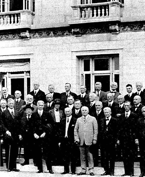 Delegates to the first International Labor Conference, held in Washington, D.C. at the Pan American Union in October, 1919. Front row, center, is Secretary of Labor William B. Wilson, while AFL President Samuel Gompers, wearing the hat, is at left - foto: dol.gov
