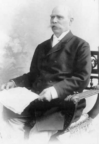 Dr. Ioan Rațiu (n. 19 august 1828, Turda - d. 4 decembrie 1902, Sibiu), nepot de frate al lui Vasile Rațiu, a fost un om politic român transilvănean, avocat, unul din întemeietorii Partidului Național Român din Transilvania, al cărui președinte a fost între 1892-1902. A fost unul din principalii autori ai Memorandumului adresat în 28 mai1892 împăratului Francisc Iosif I în numele națiunii române din Transilvania - foto: ro.wikipedia.org