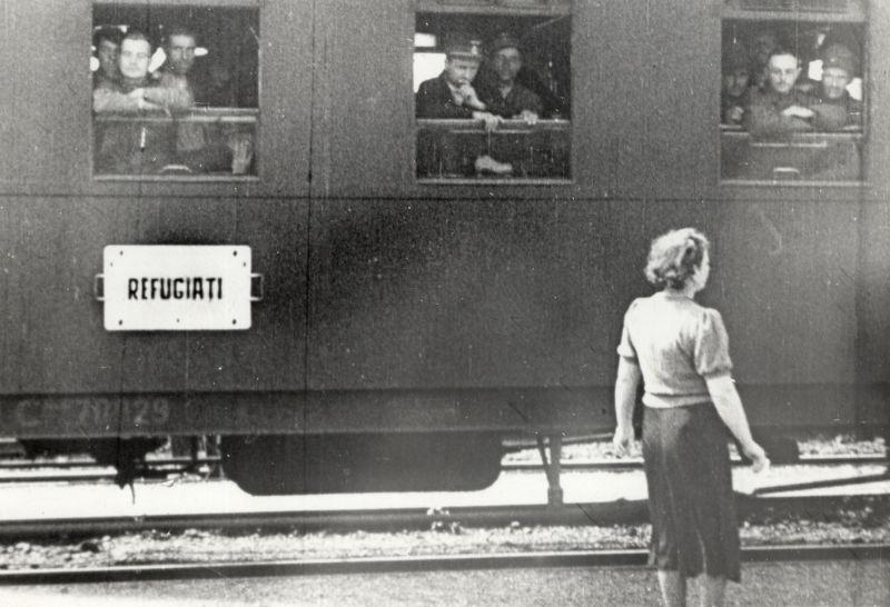 Basarabia, Bucovina de nord şi ţinutul Herţa, sub ocupaţia sovietică - Exodul din Basarabia a condus la scăderea populației locale -foto preluat de pe ro.wikipedia.org