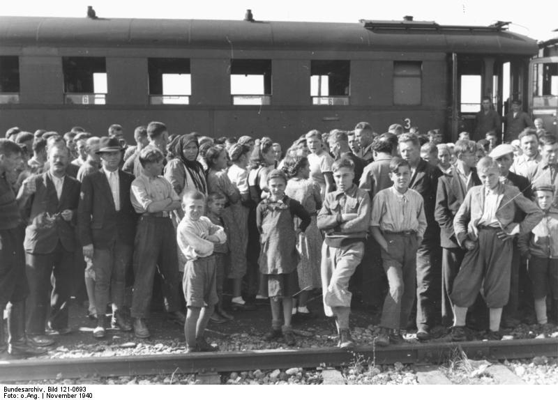 Basarabia, Bucovina de nord şi ţinutul Herţa, sub ocupaţia sovietică - Refugiați germani din Basarabia - foto preluat de pe ro.wikipedia.org