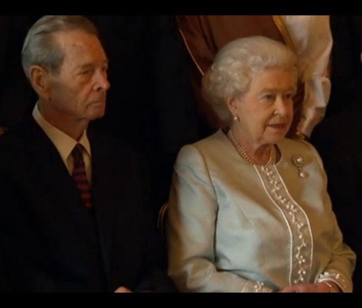 Regele-Mihai si Regina Elisabeta a II-a, la Castelul Windsor (18 mai 2012) - foto: marturiilehierofantului.blogspot.ro