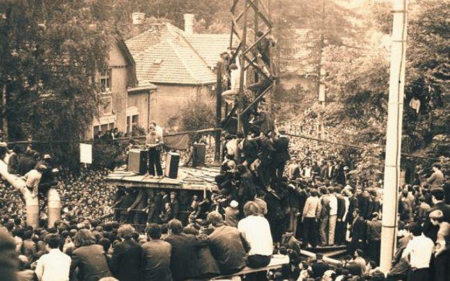 Lupeni, 3 august 1977 - foto: Antoniu Dumitru (preluat de pe: adevarul.ro)