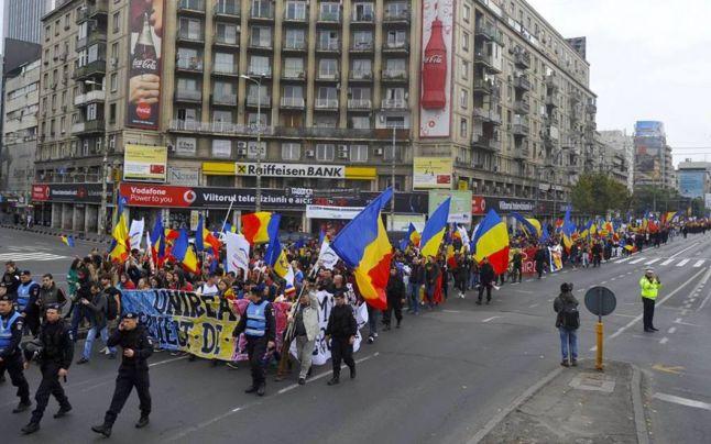 10 000 de unionişti la Marșul Unirii: LUPTĂ pentru Basarabia (Bucuresti, 22 octombrie 2016) - foto: adevarul.ro