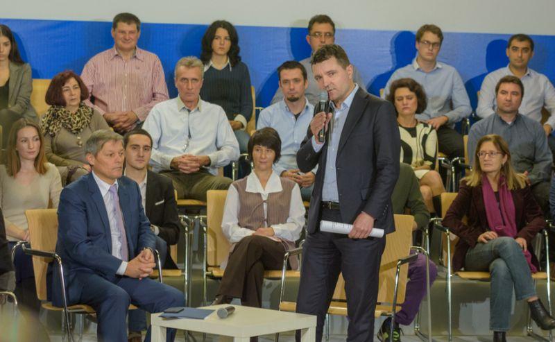 Dezbatere: Dacian Ciolos si Nicusor Dan - foto: Florin Chirila\Epoch Times