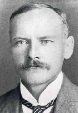 Ernest William Brown (29 November 1866 – 22 July 1938) was a British mathematician and astronomer, who spent the majority of his career working in the United States - foto: en.wikipedia.org